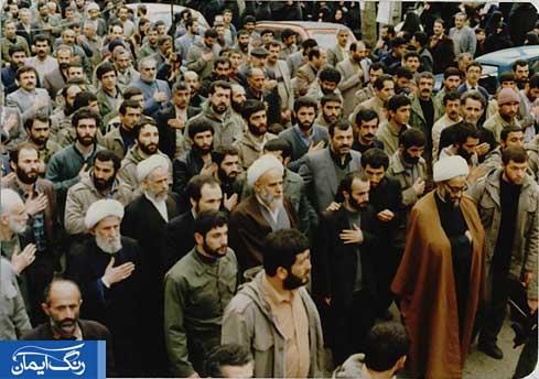 حضور علما و امت حزب الله در تشییع جنازه شهید کریمی- 14 فروردین 1365
