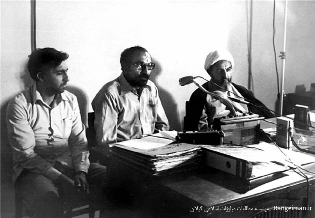 از راست آیت الله محمدی گیلانی و شهید لاجوری دادستان وقت انقلاب تهران و شهید کچویی- فارس نیوز