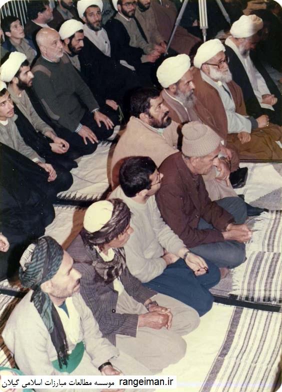 در حال استماع نماز جمعه تهران- حجج اسلام قربانی، احسانبخش، یکتا و شفیعی دیده می شوند