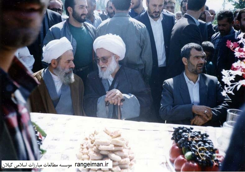 نشستگان از راست غفوری فرد وزیر سابق، و حجج اسلام احسانبخش و یکتا- سال 1371