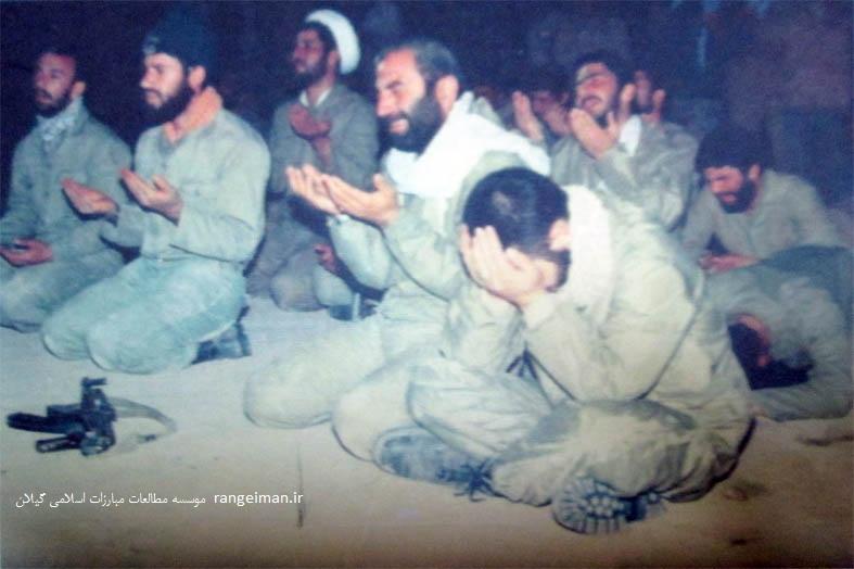 سردار شهید حاج حسین همدانی در جمع رزمندگان گیلانی