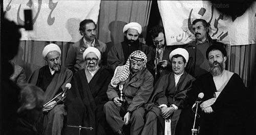 شیخ حسن لاهوتی در کنار آیت الله منتظری