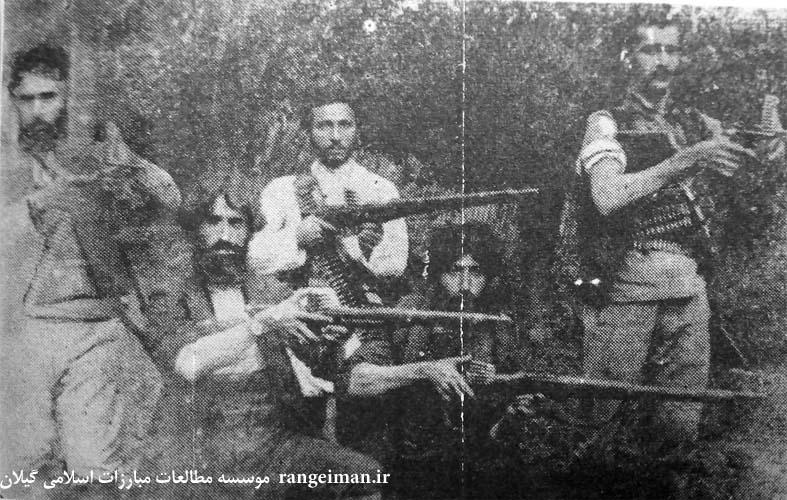 از راست سیدحسن خان مجاهد، محمود خان خیاط، سیدتقی مدنی، شیخ علی شیشه بر و اسماعیل جنگلی- از کتاب سردار جنگل ص196