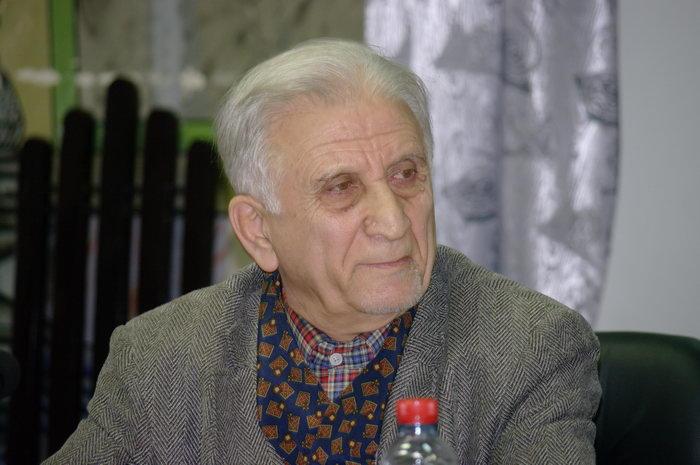 انوش نصر- بازیگر سینما و تئاتر